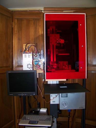 3d printer in housing door closed